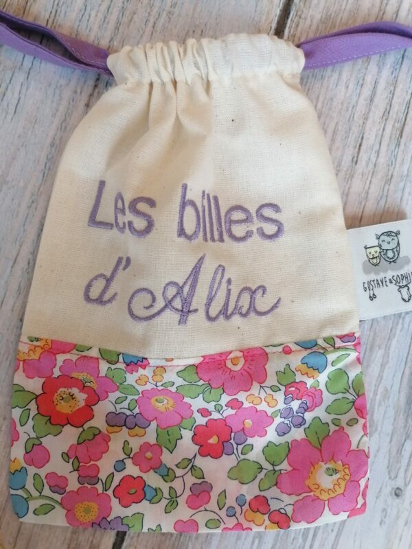 un sac de billes brodé en liberty betsy rose et coton bio